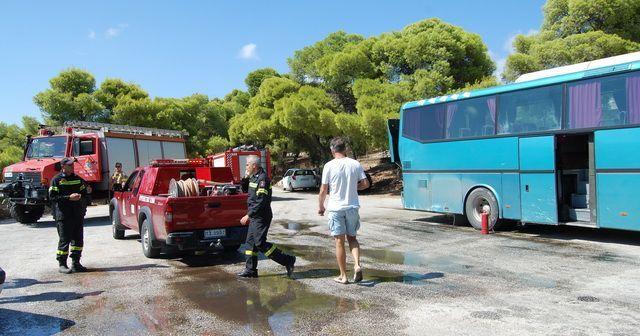 Κινητοποίηση για φωτιά σε λεωφορείο με επιβάτες στο Μενίδι