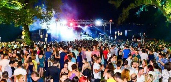 Lake Party Trichonida Αυγούστου: Μπάμπης Στόκας – Πάνος Μουζουράκης και πολλοί ακόμη καλλιτέχνες!