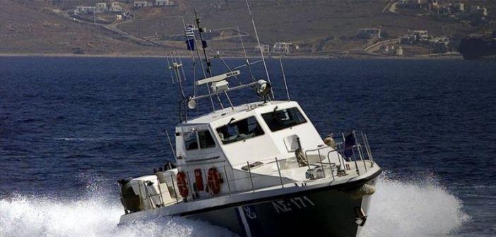 Εχινάδες: Επιχείρηση του Λιμενικού για ακυβέρνητο σκάφος με πέντε επιβάτες!