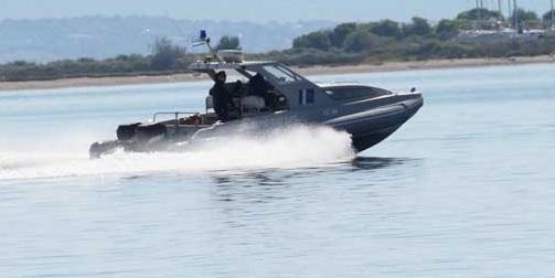 Μηχανική βλάβη σκάφους στο Νυδρί