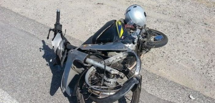 Ναύπακτος: Τροχαίο με τραυματισμό δύο ατόμων στη διασταύρωση του τρόμου (ΔΕΙΤΕ ΦΩΤΟ)