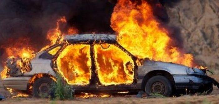 Στις φλόγες αυτοκίνητο στον Μεσοπόταμο – Πρόλαβαν και βγήκαν οι επιβάτες (ΔΕΙΤΕ ΦΩΤΟ)