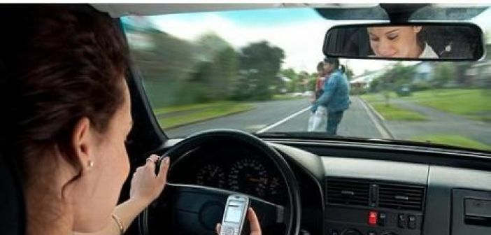 1 στους 3 οδηγούς μιλούν στο κινητό τους ενώ οδηγούν – Ένα hands free μπορεί να σας σώσει τη ζωή