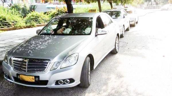 Οι δανειστές ζητούν την εγκατάσταση POS και στα ταξί