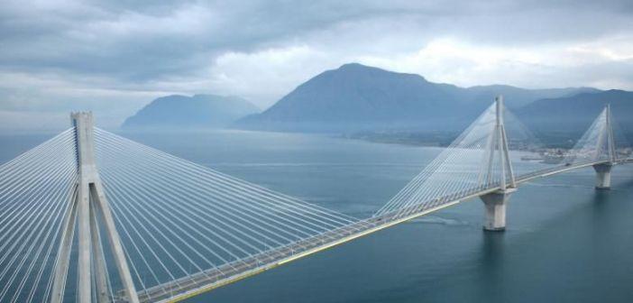 Κορυφώνεται η έξοδος των εκδρομέων: 6.000 αυτοκίνητα έχουν περάσει ήδη από τη Γέφυρα Ρίου – Αντιρρίου