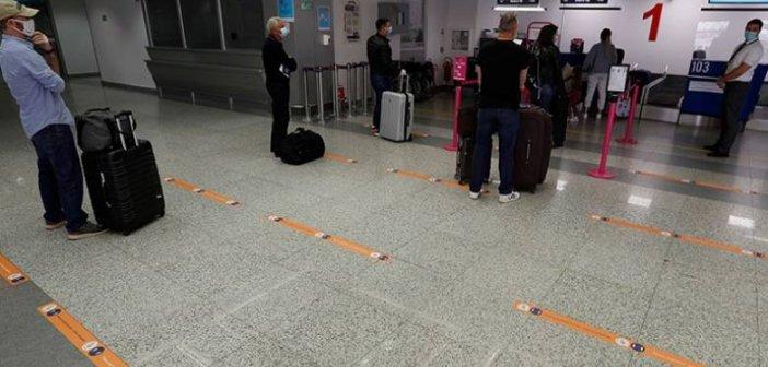 Έως το τέλος Μαΐου παρατείνεται η καραντίνα 14 ημερών όσων φτάνουν στην Ελλάδα αεροπορικώς