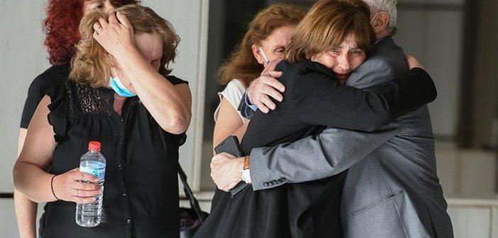 Δίκη Τοπαλούδη: Δεν με ικανοποιεί η απόφαση, να αλλάξει ο Ποινικός Κώδικάς, ζητά η μητέρα της Ελένης