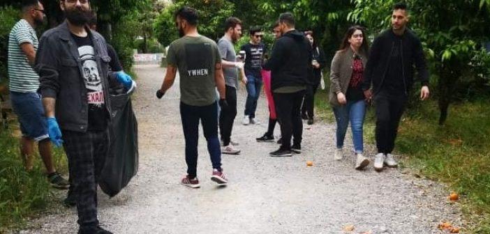 Καθαριότητα στο Πάρκο του Αγρινίου από τη νεολαία του ΣΥΡΙΖΑ (ΔΕΙΤΕ ΦΩΤΟ)