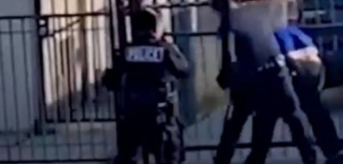Δυτική Ελλάδα: Στη Ψυχιατρική ο γυμνός …λουόμενος – Επιτέθηκε σε Αστυνομικούς