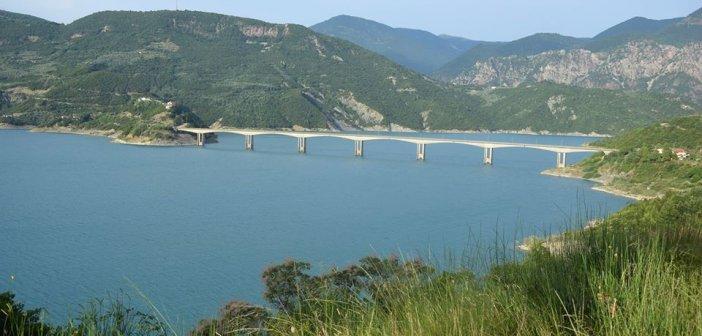 Καλημέρα από την λίμνη των Κρεμαστών στην περιοχή της γέφυρας της Επισκοπής (ΔΕΙΤΕ ΦΩΤΟ)