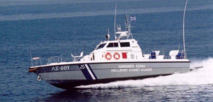 Ρόδος: Καταδίωξη σκάφους με αλλοδαπούς – Χειροπέδες στον Τούρκο χειριστή-διακινητή