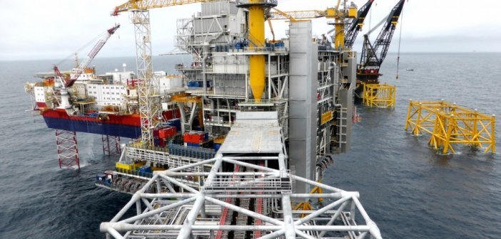 Πέφτει και πάλι η τιμή στο πετρέλαιο μετά την αναζωπύρωση του κορονοϊού