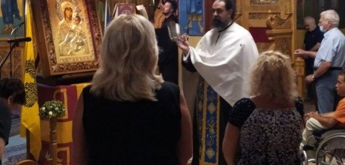 Τον Ακάθιστο ύμνο έψαλαν ιερείς και πιστοί στον ιερό ναό Αγίου Νικολάου στο Αντίρριο