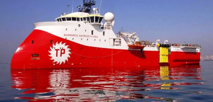 """Σκωτσέζικο ντους από την Τουρκία: """"Πάγωσε"""" τις """"έρευνες"""" του Oruc Reis αλλά στέλνει στην Κυπριακή ΑΟΖ το Barbaros"""