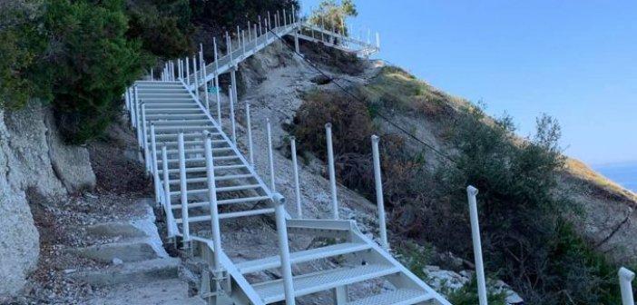 Οι πρώτες φώτο της νέας σκάλας στους Εγκρεμνούς… (ΔΕΙΤΕ ΦΩΤΟ)