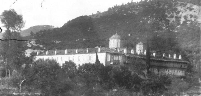 Σπάνια φωτογραφία της παλιάς Μονής της Παναγίας Τατάρνας από το 1892/93