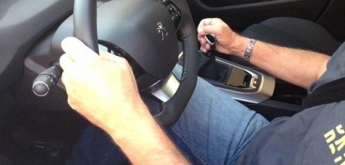 Συνελήφθη 17χρονος που οδηγούσε χωρίς δίπλωμα στον Μύτικα