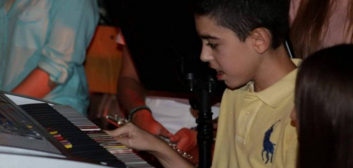 Μεγαλείο ψυχής από την μητέρα του Βασίλη – Δώρισε το πιάνο του στον «Ιωσήφ Ρωγών»
