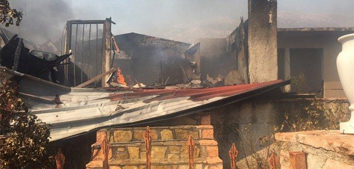 Φωτιά σε Καλύβια – Κερατέα – Εκκενώθηκαν οικισμοί