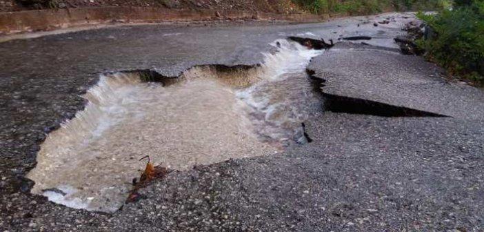 Ναυπακτία: Μεγάλη ζημιά στο οδόστρωμα στην Αμπελακιώτισσα (Δείτε ΦΩΤΟ)