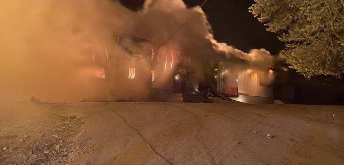 Φωτιά στη Μόρια: Αγωνία μετά τις τεράστιες καταστροφές – Στο δρόμο 13.000 μετανάστες (VIDEO)