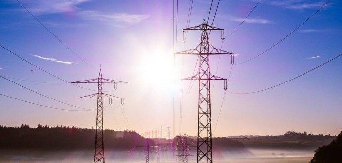 Φθηνότερο ρεύμα σε νοικοκυριά και επιχειρήσεις – Τα μέτρα του υπουργείου Ενέργειας