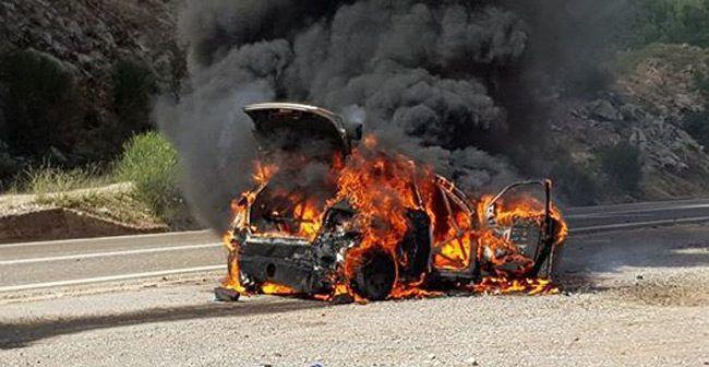 Κάηκε ολοσχερώς αυτοκίνητο στην Ιόνια Οδό