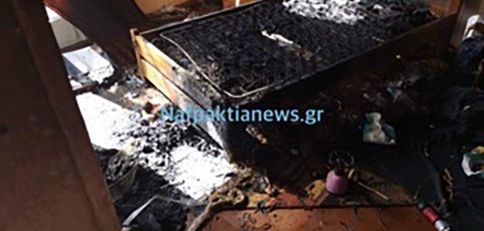 Ναύπακτος: Πυρκαγιά σε σπίτι στο κέντρο της πόλης (ΔΕΙΤΕ VIDEO)