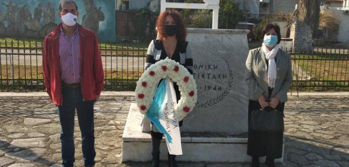Πολυτεχνείο: Κατάθεση στεφάνου από τον ΣΥΡΙΖΑ Μεσολογγίου