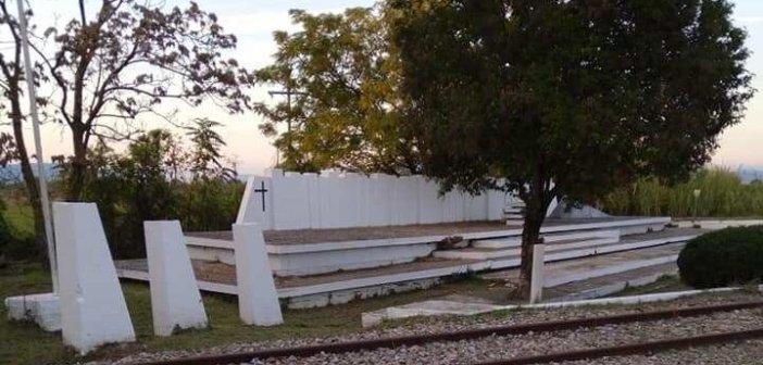 Καλύβια: Καθαρισμοί στο Μνημείο και σε επιλεγμένα σημεία