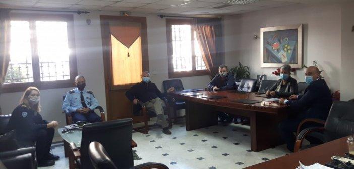 Σύσκεψη στο Δημαρχείο Ναυπακτίας για τον COVID-19