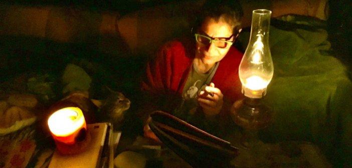Μαργαρίτα Θεοδωράκη στο Facebook: Δεν έχω ρεύμα, δεν έχω φως, δεν έχω να μαγειρέψω, δεν έχω πια τίποτα