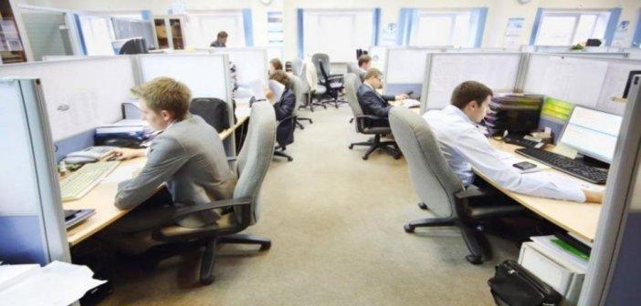 Μην ενοχλείτε: Ούτε σε τηλέφωνα, ούτε σε mail δεν θα απαντούν οι εργαζόμενοι όταν σχολάνε με απόφαση Ε.Κ.