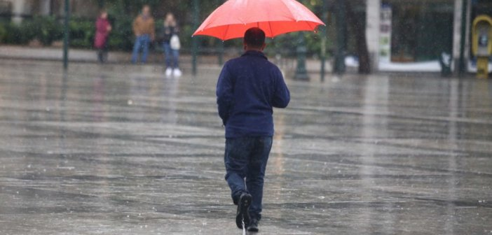 Καιρός: Νεφώσεις και τοπικές βροχές σε όλη τη χώρα