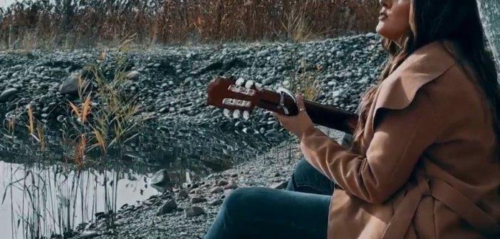 """Αγρίνιο: Η Κλεοπάτρα Στούμπου κυκλοφόρησε το πρώτο της τραγούδι """"Ξεθωριάζεις"""" (VIDEO)"""