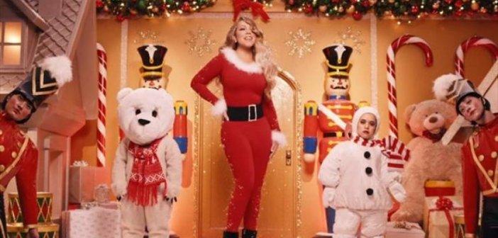 Μαράια Κάρεϊ: Το «All I Want for Christmas Is You» στην κορυφή 26 χρόνια (VIDEO)