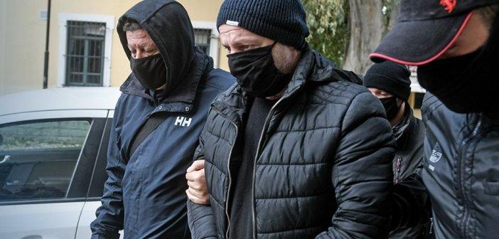 Δημήτρης Λιγνάδης: «Καταπέλτης» το ένταλμα σύλληψης – «Είχε σχέδια και για άλλες πράξεις κακοποίησης»