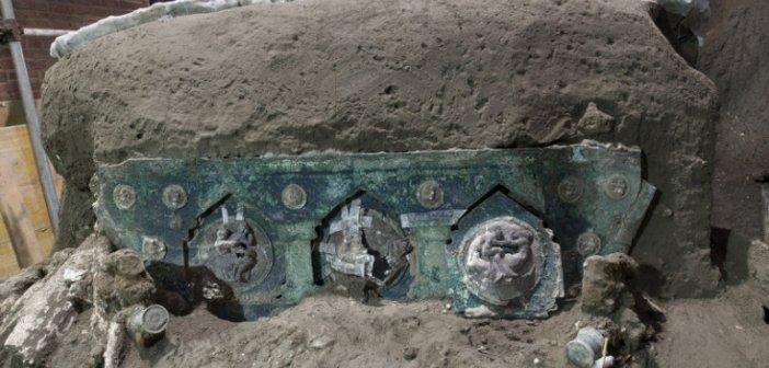 Εκπληκτική ανακάλυψη κοντά στην Πομπηία: Στο φως ένα σχεδόν άθικτο ρωμαϊκό άρμα (εικόνες)