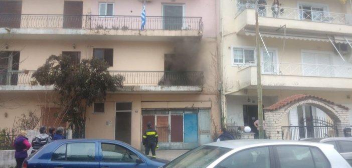 Αγρίνιο: Συναγερμός στην πυροσβεστική για φωτιά σε διαμέρισμα στην οδό Κρυστάλλη