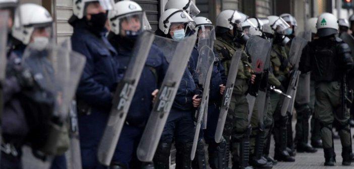 Χρυσοχοΐδης: Αυτή είναι η Λευκή Βίβλος για την αστυνομική αυθαιρεσία και τα δικαιώματα των πολιτών