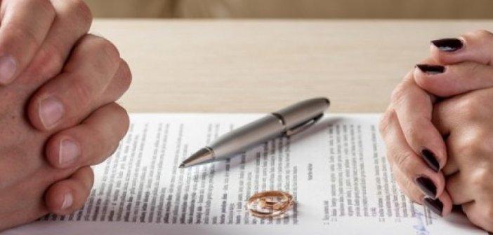 Tηλεδιάσκεψη Τσιάρα με τους Δικηγορικούς Συλλόγους:  e-διαζύγιο και  συνεπιμέλεια επί τάπητος