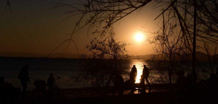 Στο επίκεντρο του βρετανικού Τύπου ελληνικοί τουριστικοί προορισμοί