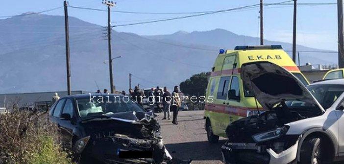 Καινούργιο :Σφοδρή σύγκρουση οχημάτων στη Χαραυγή (φωτο)