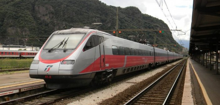 Πάτρα: Εκτροχιασμός τρένου στον Προαστιακό – Λαχτάρα για τους επιβάτες στην έξοδο του Αγίου Ανδρέα