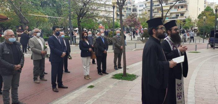Αγρίνιο: Σε κλίμα συγκίνησης τελέστηκε επιμνημόσυνη δέηση για τα θύματα του βομβαρδισμού τη Μεγάλη Τετάρτη 1941