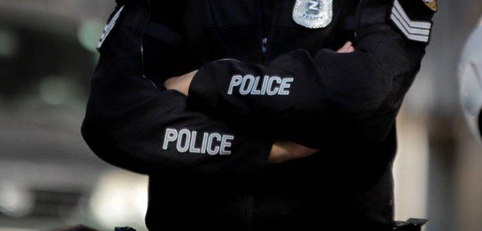 Εκλεψαν 15.000 ευρώ από αστυνομικό μέσα σε αστυνομικό τμήμα στα βόρεια προάστια