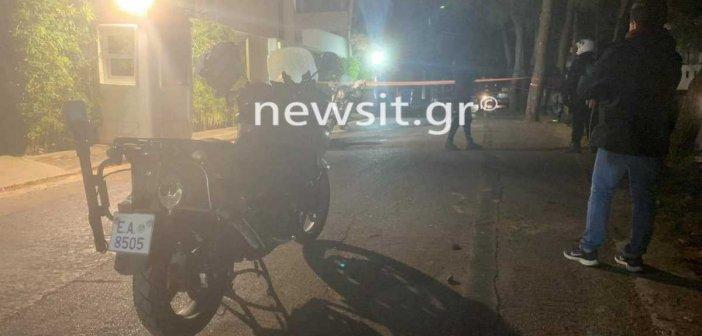 Απο το ίδιο όπλο οι κάλυκες στην επίθεση εναντίον αστυνομικών και στο σπίτι του Μένιου Φουρθιώτη – Προσήχθη ο παρουσιαστής