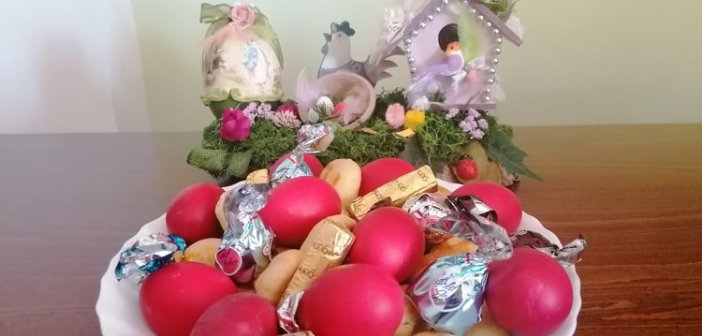 Γιατί βάφουμε τα αυγά κόκκινα τη Μεγάλη Πέμπτη