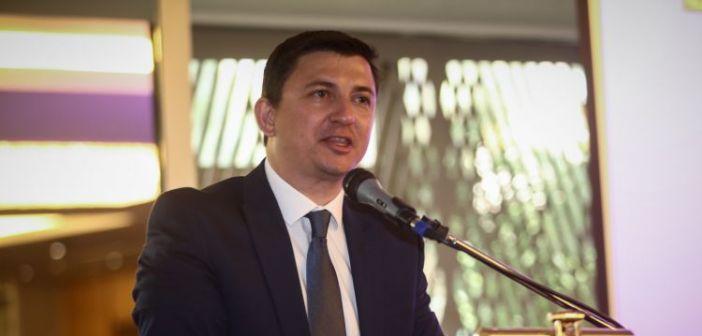 """Επένδυση στο Πλατυγιάλι: Συγκρατημένα αισιόδοξος ο δήμαρχος Ξηρομέρου στον """"Δυτικά Fm 92,8"""""""