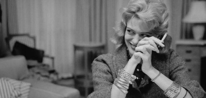 Μελίνα Μερκούρη και Αλέκος Αλεξανδράκης χαμογελαστοί στα 80s – Δύο θρύλοι του ελληνικού σινεμά σε μια σπάνια φωτό
